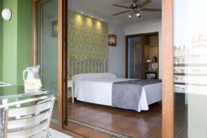 Habitación Doble Superior con terraza - Hostal Alhambra