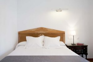 Double Room with Street View - Hostal Alhambra