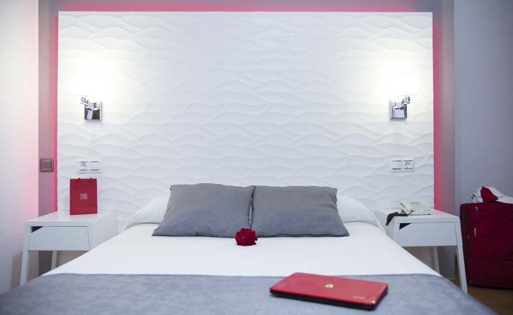 Superior Double bedroom with terrace - Hostal Alhambra